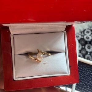 Jewelry - Diamond pearl ring in 14k gold